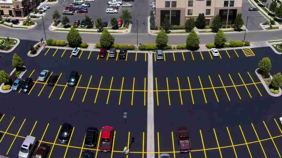 striping asphalt parking lot