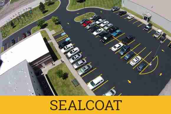 sealcoating asphalt parking lot